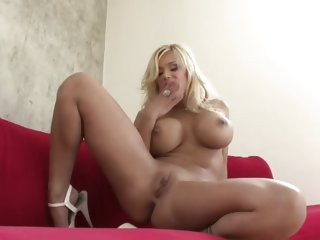 Shyla Stylez strips and..